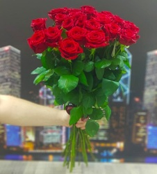 25 красных роз 60 см (Россия)