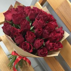 25 красных роз 40 см (Кения)