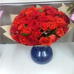 Букет 51 роза Ред Наоми 60 см (Россия)