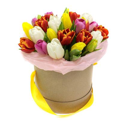 Тюльпаны в шляпной коробке
