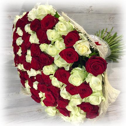 """Букет """"101 красно-белая роза"""" 80 см (Россия)"""