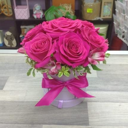 Розы в коробочке шкатулке