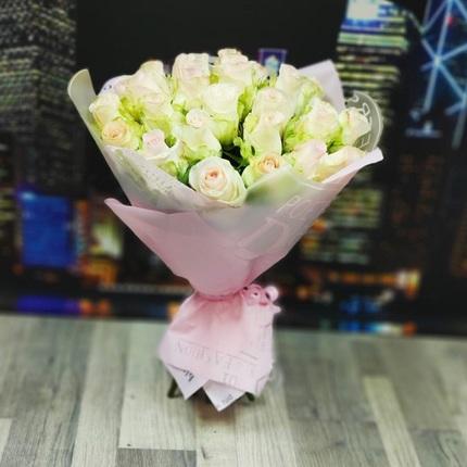 Букет из 25 бело-розовых роз 40 см (Эквадор)