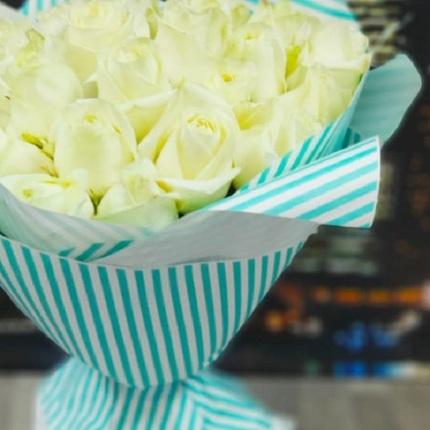 Букет из 25 белых роз 40 см (Эквадор)